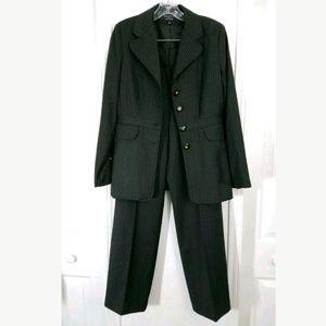 Larry Levine Brown 2PC Suit Womens